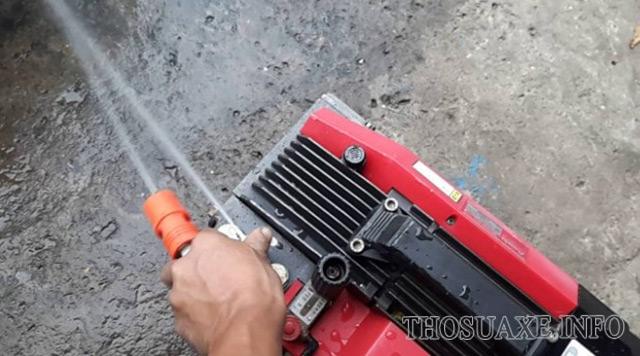 máy bơm rửa xe Nhật bãi