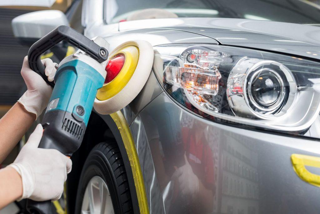 Đánh bóng xử lý các vết xước xe ô tô