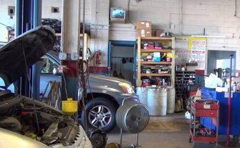 Tiệm sửa xe nên có máy bơm mỡ mini sẽ giúp quá trình tra mỡ sẽ nhanh hơn