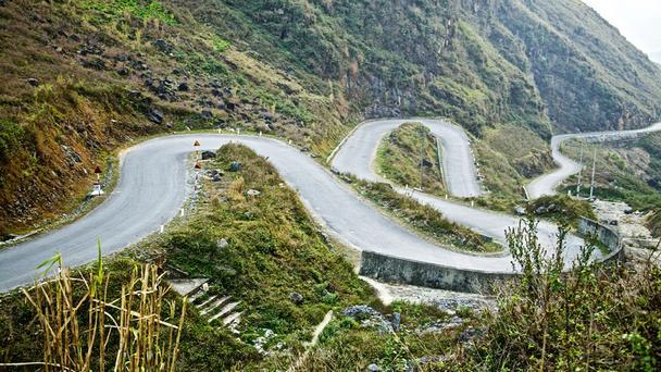 Kinh nghiệm lái xe đường đèo