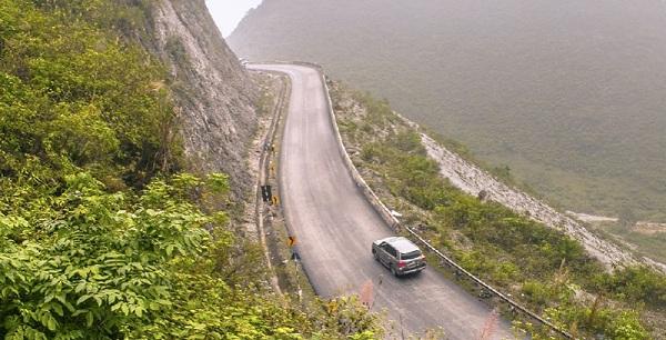 kinh nghiệm Lái xe đường đèo khi lên xuống dốc