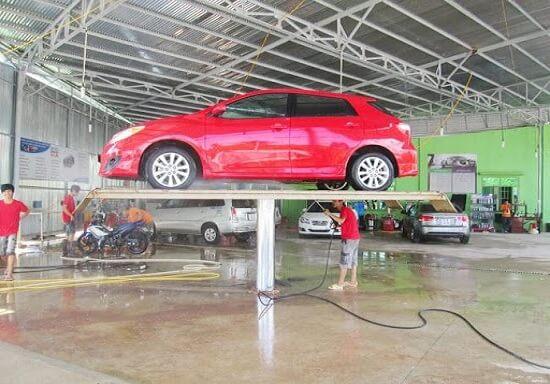 Cầu nâng là thiết bị không thể thiếu trong các gara sửa chữa, bảo dưỡng xe ô tô