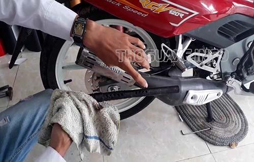 Vệ sinh ống pô xe máy định kỳ giúp xe hoạt động ổn định