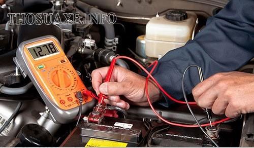 Ắc quy của xe bị hết năng lượng khiến xe ô tô không có điện