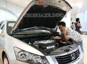 Kiểm tra kỹ từng bộ phận, chi tiết của xe