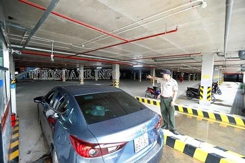 Đội ngũ an ninh đảm bảo trật tự trong bãi đậu xe