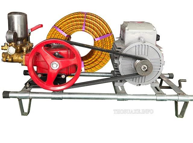 Bộ máy rửa xe dây đai 2 ngựa với công suất mạnh mẽ