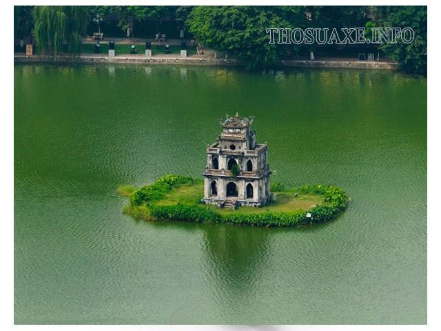 Tháp Rùa là một công trình chịu ảnh hưởng nhiều bởi số phi