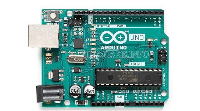 Lắp các thiết bị vào Arduino và nối dây điện