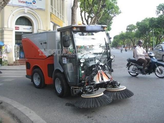 Bạn có thể thường xuyên bắt gặp xe quét đường tại khu phố đi bộ