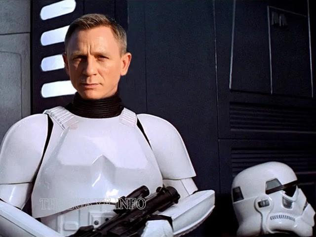Daniel Craig bên bộ đồ Stormtrooper